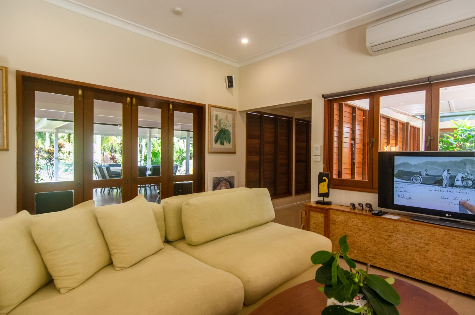 Cairns Holiday House
